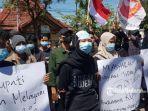 aksi-unjuk-rasa-forum-mahasiswa-kangayan-formaka.jpg