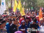 aktivis-pmii-dari-komisariat-pmii-iain-madura-menggeruduk-kampus-iain-madura.jpg