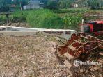 alat-pertanian-milik-petani-di-kecamatan-camplong-sampang.jpg