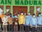 anggota-dpr-ri-muhammad-ali-ridha-didampingi-rektor-iain-madura.jpg