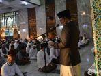 baddrut-tamam-saat-memberikan-sambutan-di-masjid-agung-asy-syuhada.jpg