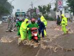 banjir-yang-melanda-jalan-thamrin.jpg