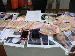 barang-bukti-foto-para-korban-kasus-praktik-prostitusi-online.jpg