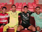 barisan-jersey-baru-madura-united-di-liga-1-2020.jpg