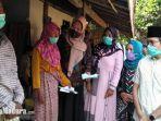 bupati-bangkalan-rk-abdul-latif-amin-imron-mengunjungi-keluarga-korban-pemerkosaan.jpg