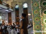 bupati-pamekasan-baddrut-tamam-memberikan-sambutan-di-masjid-agung-asy-syuhada.jpg