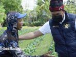 bupati-pamekasan-baddrut-tamam-sambangipetani-tembakau-di-kelurahan-kowel.jpg