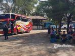 calon-penumpang-bus-di-terminal-arya-wiraraja-kabupaten-sumenep.jpg