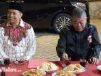 calon-wakil-wali-kota-surabaya-gus-hans-berbincang-dengan-ketua-dpd-pdi-perjuangan-jatim-kusnadi.jpg