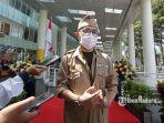 ceo-national-hospital-surabaya-adj-prof-hananiel-prakasya-widjaya-mengumumkan-harga-pcr.jpg