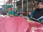daging-sapi-yang-dijual-di-pasar-anom-baru-sumenep-kamis-2352019.jpg