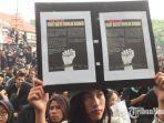 demo-mahasiswa-di-depan-gedung-dprd-kota-malang.jpg