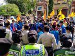 demo-ratusan-aktivis-pmii-pamekasan-di-kantor-pemkab-pamekasan.jpg