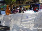 demonstrasi-masyarakat-ke-kantor-dpmd-sumenep-selasa-962021.jpg