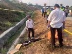 driver-taksi-online-asal-surabaya-dibunuh-dan-dibuang-di-jalan-tol-malang-pandaan.jpg