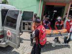 evakuasi-jenazah-indah-kusaeni-30-dari-kamar-kos-mojokerto.jpg