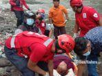 evakuasi-korban-yang-terjatuh-ke-sungai-brantas.jpg
