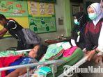 evakuasi-pasien-di-igd-rssa-malang-setelah-rumah-sakit-saiful-anwar-malang-kebakaran.jpg