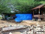 fasilitas-wisata-di-pantai-lon-malang-kabupaten-sampang-madura-rusak-berat.jpg