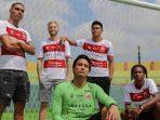 foto-jersey-baru-home-madura-united-fc-yang-akan-dipakai-pada-kompetisi-liga-1.jpg
