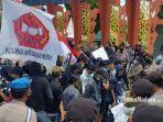 gelaran-aksi-unjuk-rasa-forum-mahasiswa-kangaya-sumenep.jpg