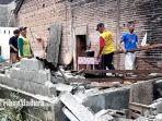 gotong-royong-menyingkirkan-puing-rumah-kadelan-yang-ambruk-dilanda-gempa-bumi.jpg