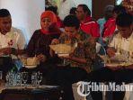 gubernur-dan-wakil-gubernur-jatim-saat-makan-bersama-pemain-timnas-u-22.jpg