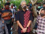gubernur-jawa-tengah-ganjar-pranowo-menghadiri-pemakaman-didi-kempot-di-ngawi.jpg