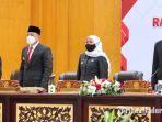 gubernur-jawa-timur-khofifah-indar-parawansa-saat-menghadiri-sertijab-wali-kota-surabaya.jpg