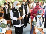 gubernur-jawa-timur-khofifah-indar-parawansa-vaksinasi-pelajar-di-sman-6-kota-surabaya.jpg