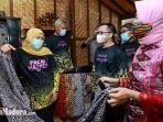 gubernur-jawa-timur-khofifah-mengunjungi-umkm-batik-banyuwangi.jpg