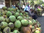 harga-kelapa-hijau-muda-di-pasar-ranuyoso-kabupaten-lumajang-jawa-timur-mendadak-mahal.jpg