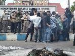 hmi-cabang-bangkalan-menggelar-demo-depan-kantor-atrbpn-kabupaten-bangkalan.jpg