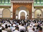 ilsutrasi-suasana-di-masjid-agung-jawa-tengah-majt.jpg