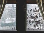 ilustrasi-jendela-kamar-rumah.jpg