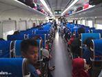ilustrasi-penumpang-dalam-kereta-api.jpg