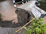 jembatan-yang-putus-akibat-terjangan-banjir-di-kabupaten-madiun.jpg