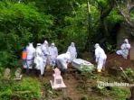 jenazah-pasien-covid-19-dikuburkan.jpg