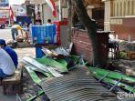 kanopi-yang-rusak-akibat-ledakan-tabung-gas.jpg