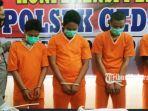 kapolsek-gedeg-akp-eddie-purwo-santoso-mengamankan-empat-tersangka-pengedar-narkoba.jpg