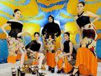 karya-busana-terbaru-karya-desainer-nasional-embran-nawawi-cocktail-party-in-summer.jpg