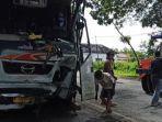 kecelakaan-bus-mira-vs-truk-pengangkut-ayam-potong.jpg
