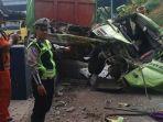 kecelakaan-di-dekat-gerbang-tol-sidoarjo-2.jpg