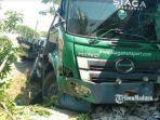kecelakaan-di-gresik-truk-menabrak-sebuah-warung.jpg