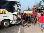 kecelakaan-lalu-lintas-bus-dan-truk-tangki-di-jombang.jpg