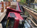 kecelakaan-lalu-lintas-terjadi-di-jalan-raya-tenger-kecamatan-manyar-kabupaten-gresik.jpg