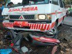kecelakaan-mobil-ambulans-dengan-empat-sepeda-motor-di-desa-gambirono-kecamatan-bangsalsari-jember.jpg