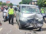 kecelakaan-motor-vs-mobil-terjadi-di-jalan-raya-turut-desa-mandirejo-kecamatan-merakurak.jpg