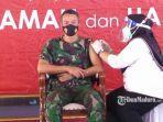 komandan-kodim-0829-bangkalan-letkol-kav-ari-setyawan-wibowo-menerima-vaksin-covid-19.jpg