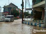 kondisi-banjir-di-jalan-panglima-sudirman-kelurahan-dalpenang-kabupaten-sampang-madura.jpg